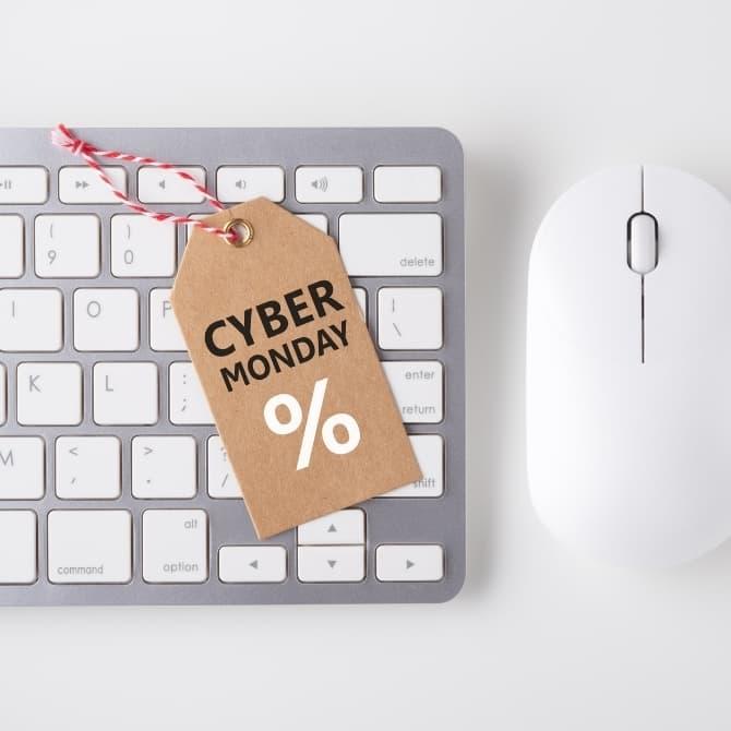 etiqueta de descuento por el cyber monday